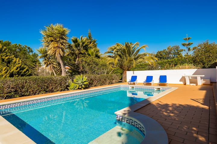 Casa Figueira, Stunning 3 Bed Villa With Pool