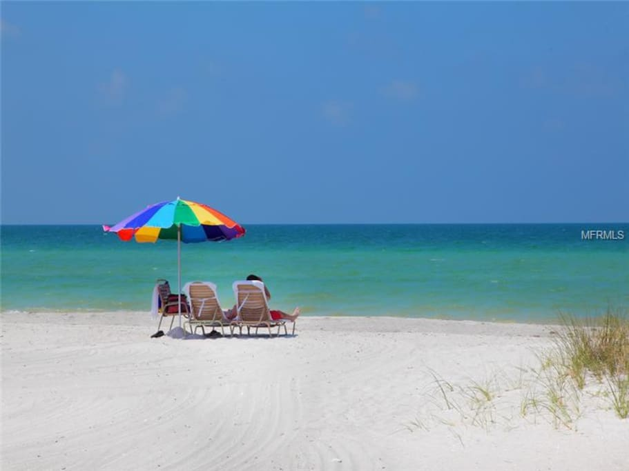 Crescent Beach on Siesta Key - just a 3 min. walk from your door!