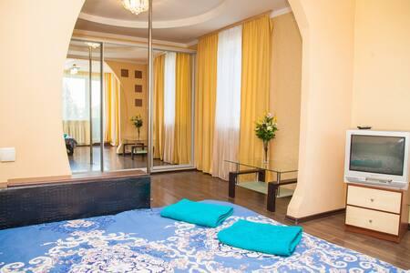 Semi-luxury Apartment on Dunaiskaya 35  street