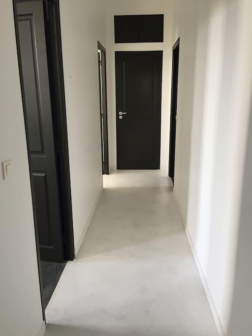 couloir chambres et salle e bain