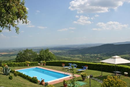 Villa Crispinino, sleeps 9 guests - Civitella in Val di Chiana - Villa