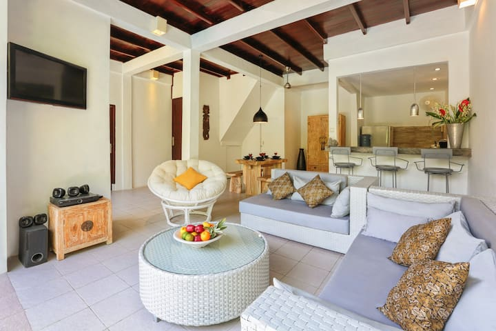 Private villa near 66 in the middle of Seminyak