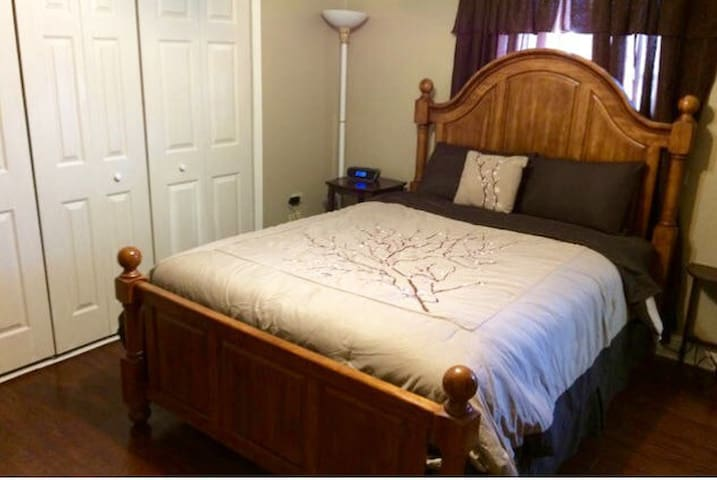 Audery's lil Cajun Mansion/GOOG it3 - Houma - Bed & Breakfast