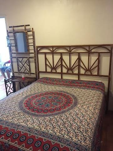Furnished1 bedroom home away frm ho - Georgetown