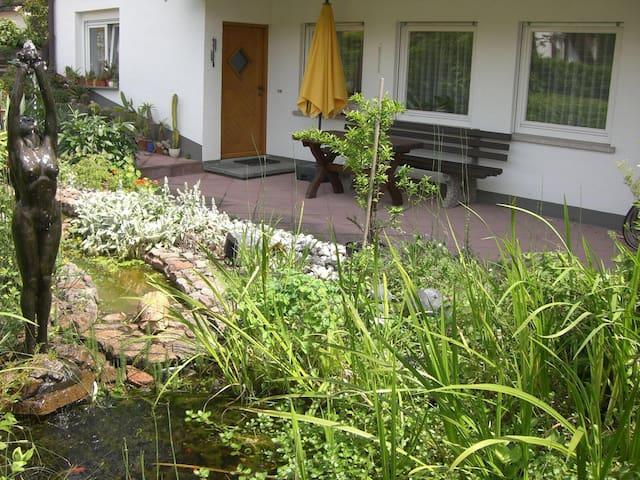 Gemütliche 2 Zi-Wohnung auf 63qm - Wehr - Apartament