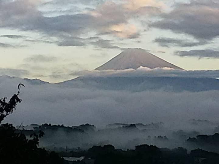 温泉檜風呂から富士山ビューとBBQ.Mt. Fuji view from Onsen bath、