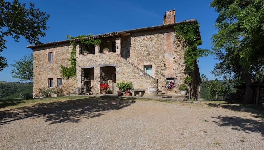 Charming apartment in green Umbria