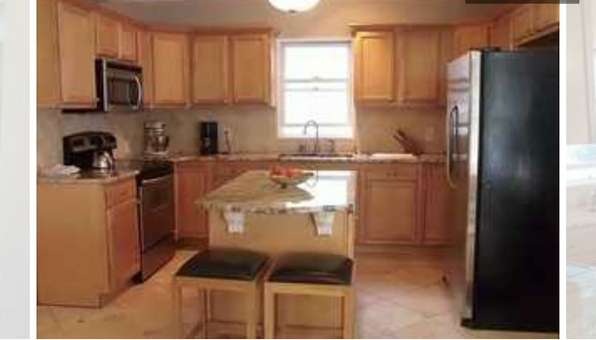 Walk to Broadway! Entire HOUSE! - Saratoga Springs - Hus