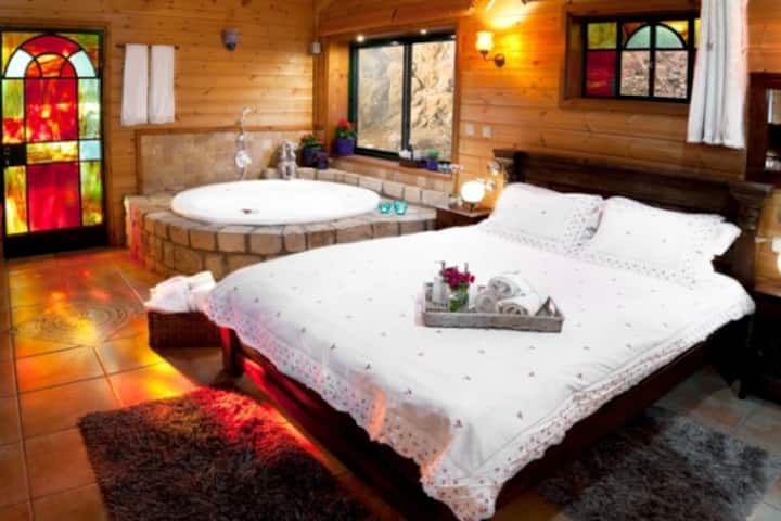 The Romantic Cabin - With private pool