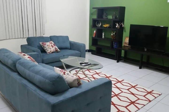 Guam Eagle Guesthouse 2호점 - Hagåtña - Bed & Breakfast