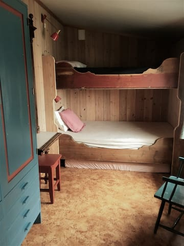 The smallest bedroom. Both beds are 120 cm wide and 200 cm long.