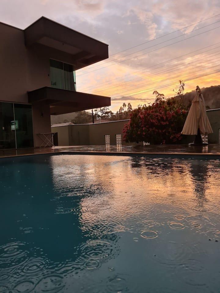 Lux House | Natureza | Piscina | Alto padrão.