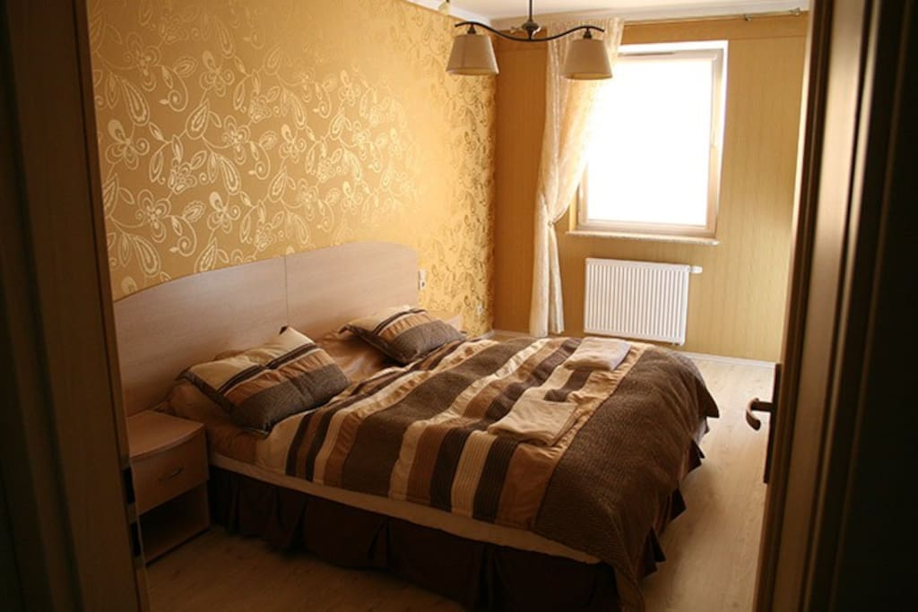 Living room - couch can be transformed into regular bed :) / Salon, kanapa się rozkłada i można na niej spać :)