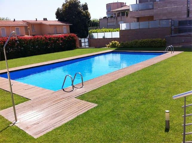 APTO a 20m mar, piscina, para 4p - Calella - Apartment