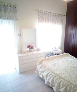 Seaside room near Athens & Delfi - Chalkida - Appartement