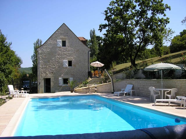 Traditional Stone House with Pool  - Saint-Germain-du-Bel-Air