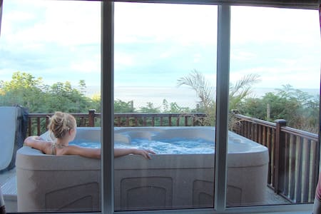 Luxury Cliff Top Lodge. Hot Tub & WiFi. - Casa