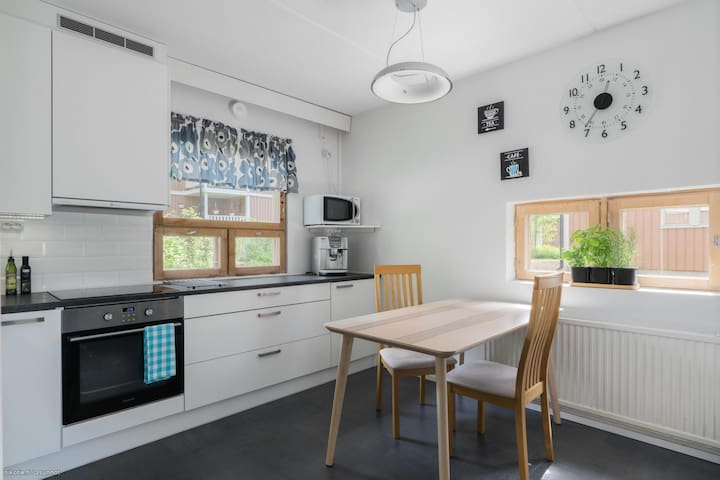 Sunny Maisonette, private Sauna, garden Helsinki