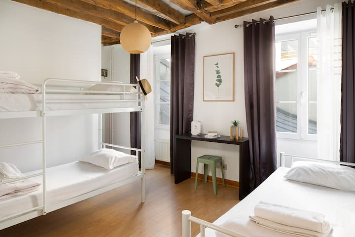 Triple room - Montmartre Village Hostel