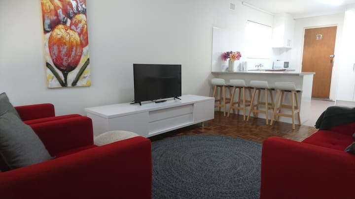 Central 2BR Wollongong Apartment- Near Beach&Mall