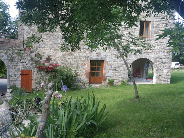 Petite maison de campagne - Berrias et Casteljau