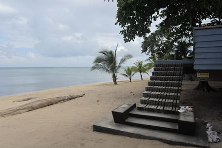 Casa Argenta beach front house - Sandy Bay, Roatan