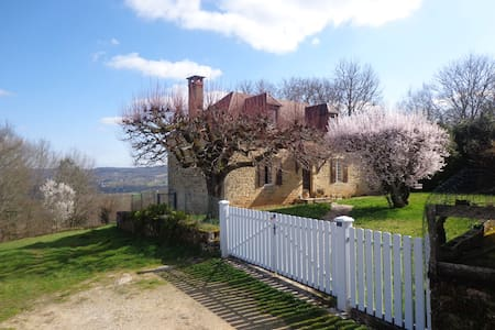 Superbe vue sur vallée de Dordogne! - Sainte-Mondane - 獨棟