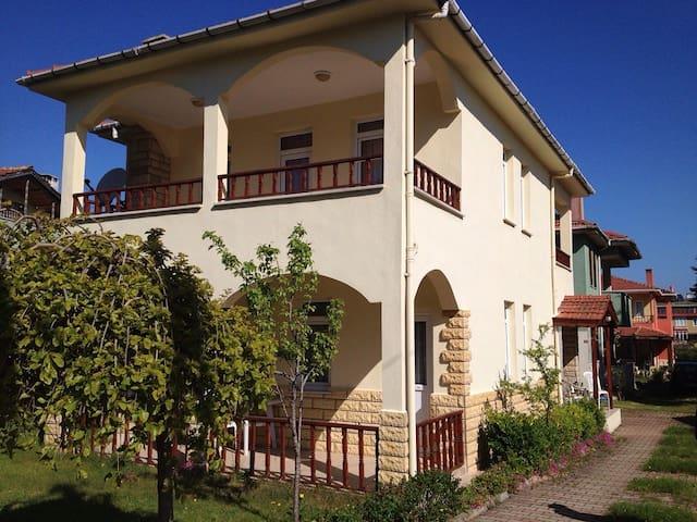 Şile Alacalı'da süper bir villa - Alacalı - Villa