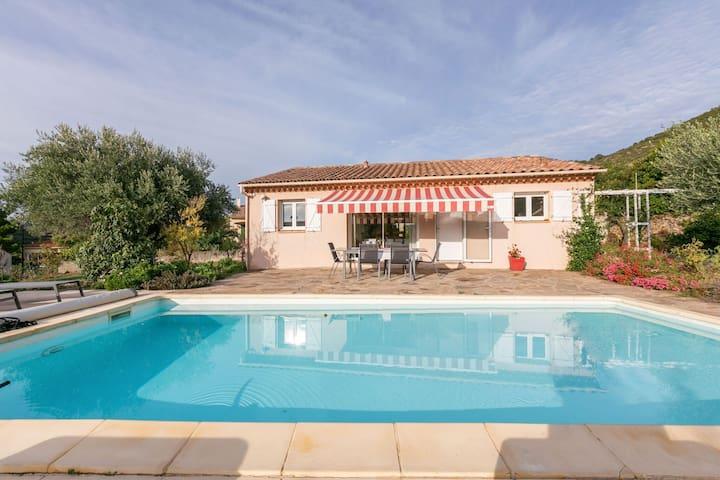 Classy Villa in Roquebrun with Swimming Pool