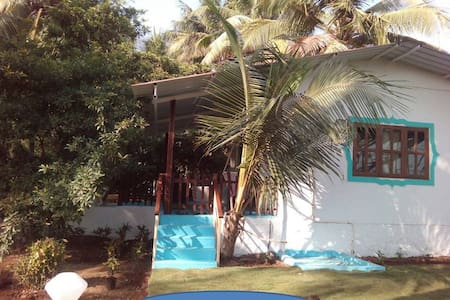The Traders Cottage by the creek - Near Alibaug - Villa