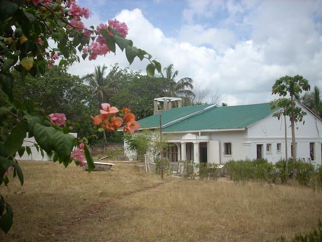 casa colonial muy aislada en plena naturaleza - Kwale - Dům