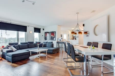 Modern and central apartment close to Elmia