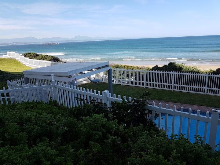 Mossel Bay - The beach at your front door