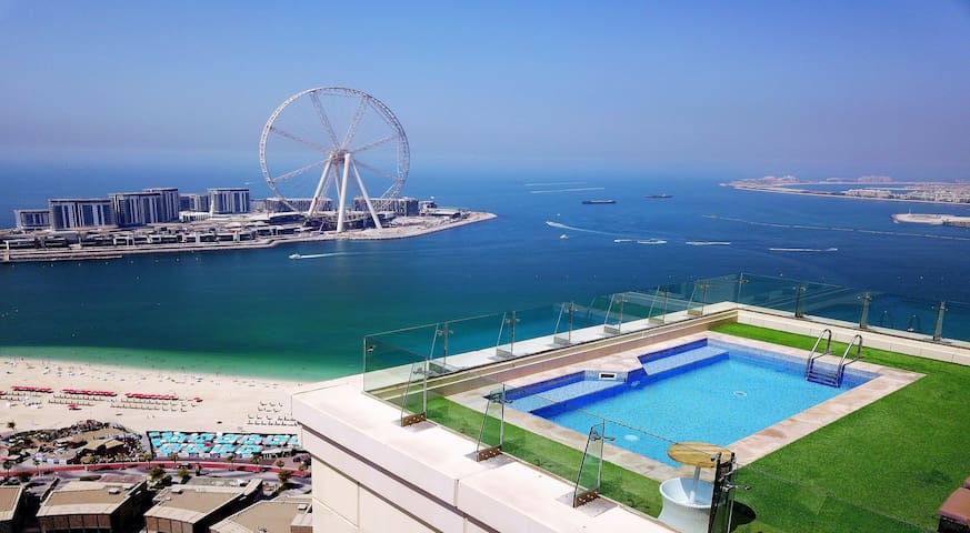 Dubai huge terrace Penthouse 6 Bdr. private pool!