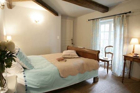 Peaceful Countryside Location - Monts-sur-Guesnes