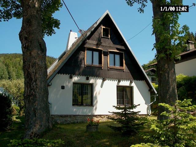 Vakantiehuis ertsgebergte Tsjechië - Stříbrná - Casa