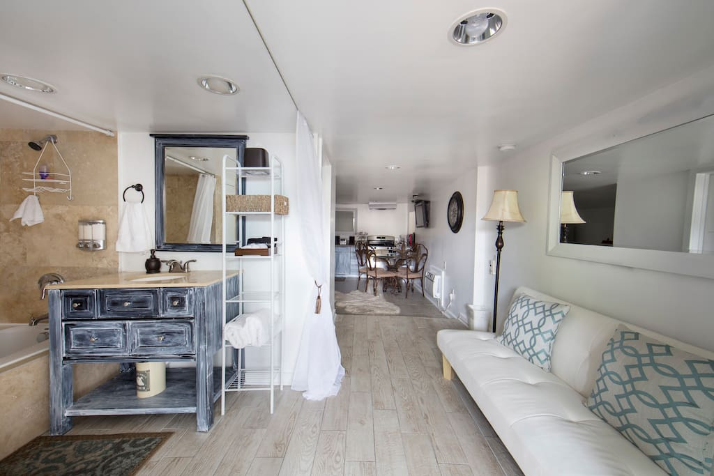 Studio 1 is on the 1st floor. It is an open concept studio with 1 queen bed and 1 futon. It has a full kitchen and bathroom. It sleeps 4.
