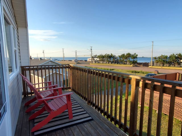 Lover's Loft - stunning view and beach access!!