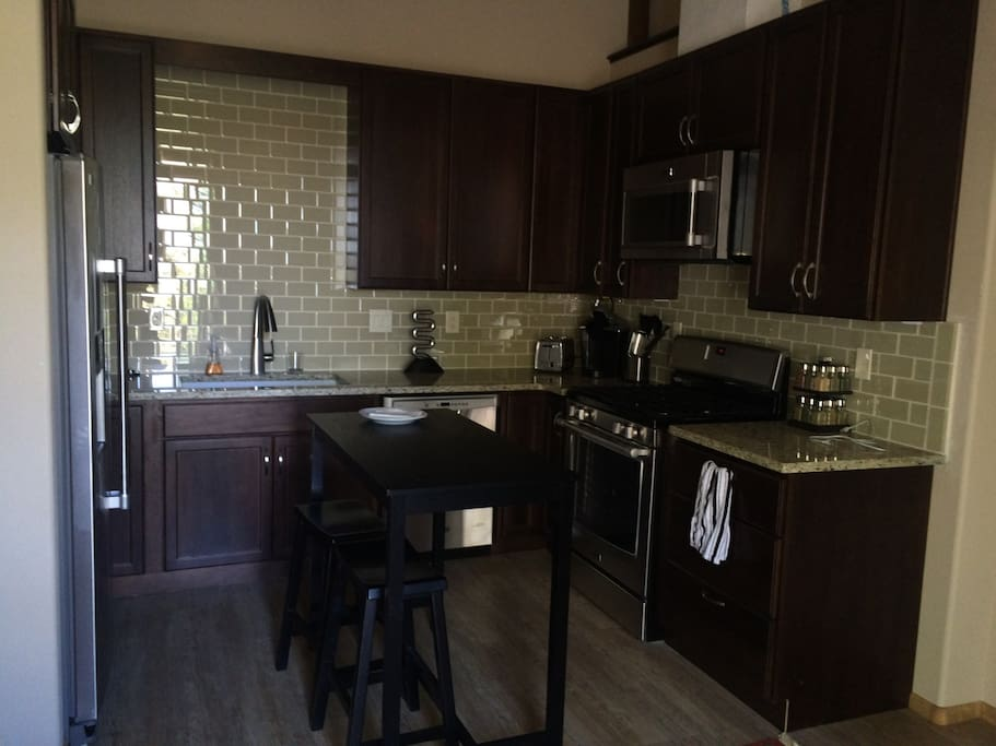 Kitchen complete with full sized appliances as well as small sized appliances to make you feel at home.