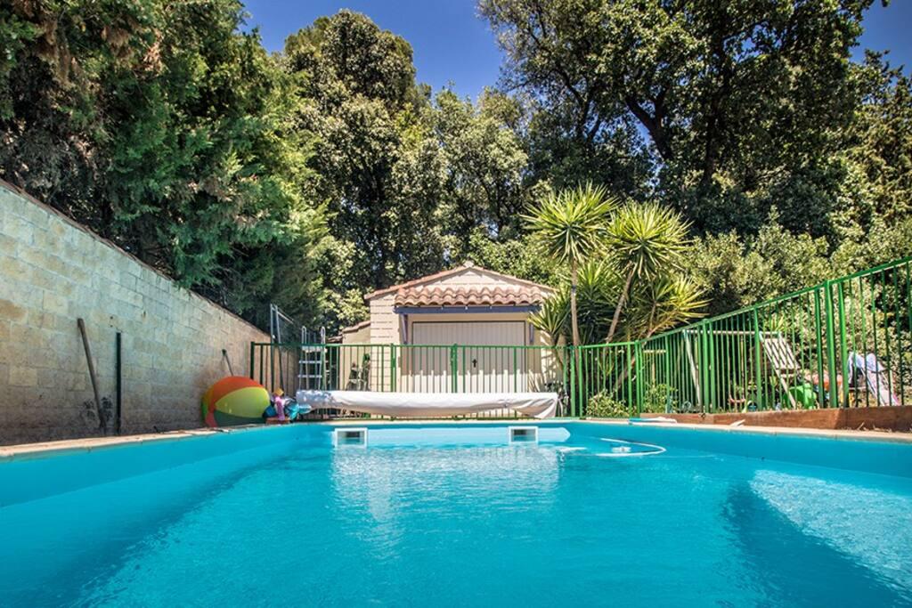 piscine 4x8m profondeur 1,60m ; sans entretien (chlore et pH automatiques)