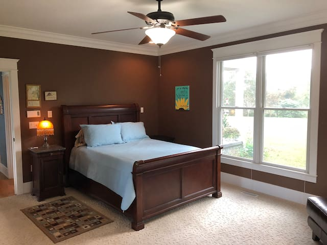 Master Suite near Ft Knox.