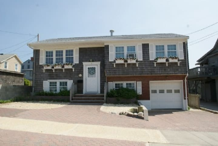 Lavallette Beach - 4 Magee Ave - 2nd floor - Lavallette - Byt