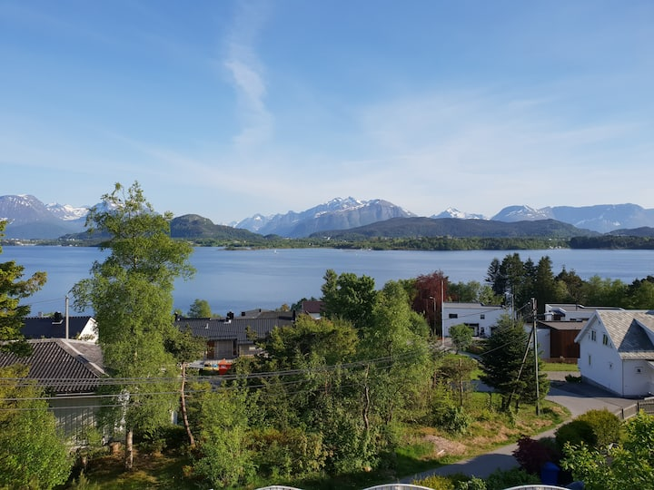 Studio loft with view of the Sunnmøre Alps