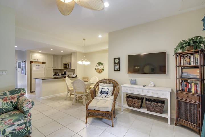Ocean Creek G2734 - Upgraded Townhome, Private Yard