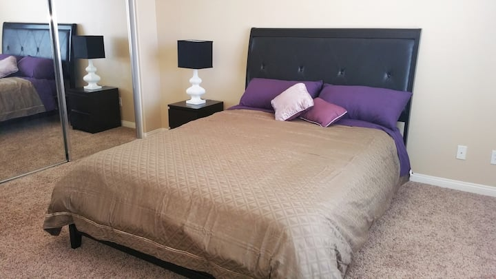 Big, Cozy, Quiet Room near ONT+Malls, no clean fee
