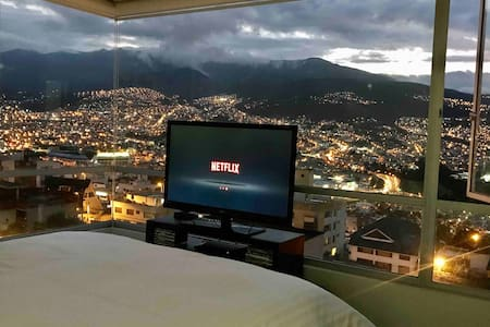 Apartment with beautiful view/Departamento Quito
