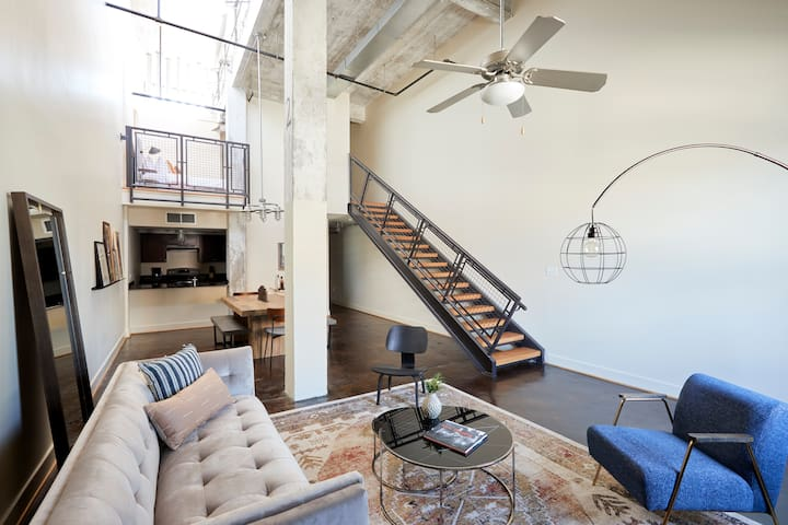 Sonder | Constance Lofts | Lovely 2BR + Laundry