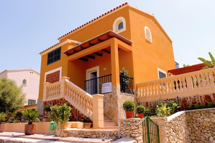 Los Geranios (villa con piscina) - Romàntica - Villa