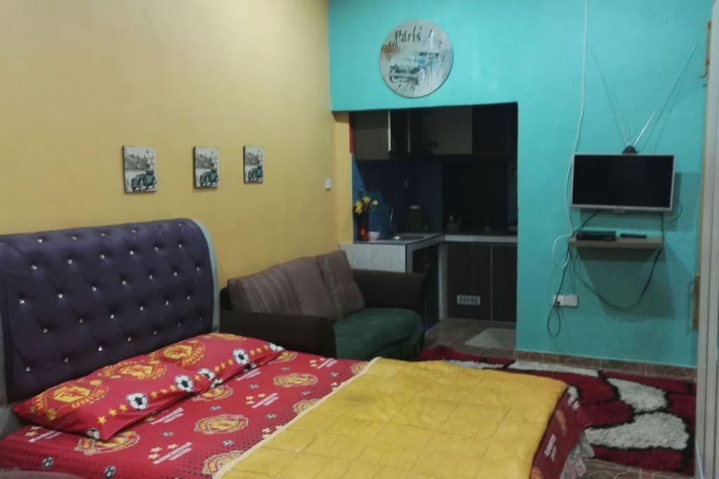 Private studio room nur ainur room room 1 houses for for J bathroom kota bharu