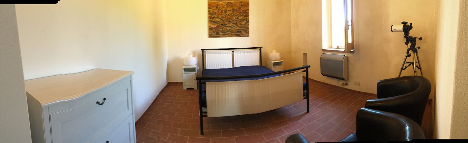 Apartment 2, the twin bedroom